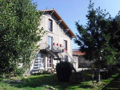Le Vieux Puits : Bed and Breakfast near Noisy-le-Grand