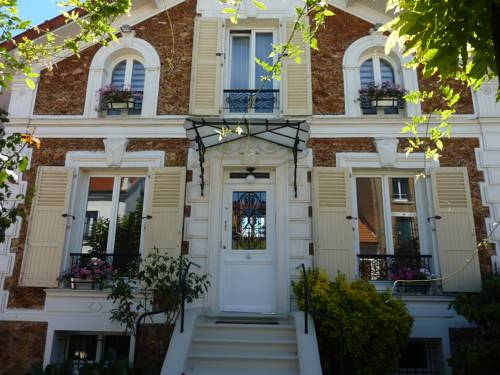 Maison Romantique : Bed and Breakfast near Noisy-le-Grand
