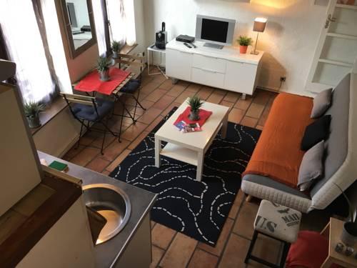 Charme du Vieux Lille 24H/24H Access : Apartment near Marquette-lez-Lille
