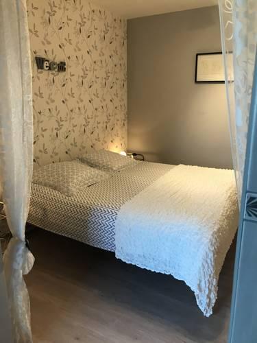 La Grande Dame : Bed and Breakfast near Brunet