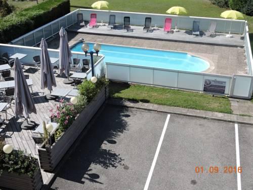 Inter-Hotel La-Roche-Sur-Foron : Hotel near Reignier-Esery