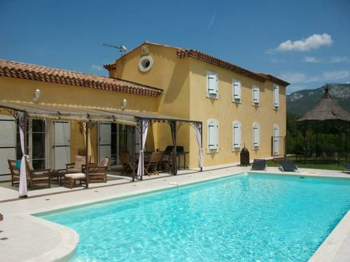 Villa - Trets : Guest accommodation near Trets