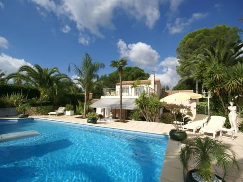 Villa MouansSartoux : Guest accommodation near La Roquette-sur-Siagne