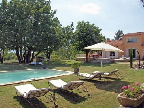 Le Grand chêne : Guest accommodation near Sainte-Croix-à-Lauze