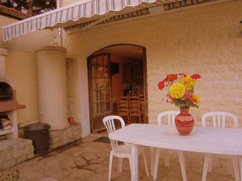 Ravinala : Guest accommodation near Le Pin