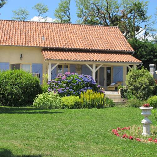 Villa Beau Rêve : Guest accommodation near Nontron