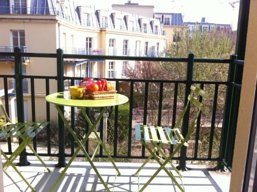 Val d'Europe Disney Family Apartment 3 : Apartment near Ferrières-en-Brie