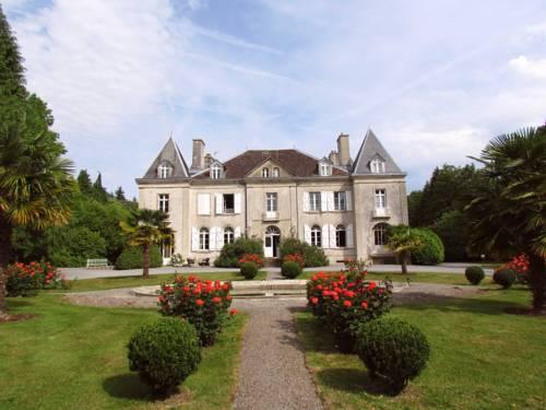 Château de Kerlarec : Bed and Breakfast near Arzano