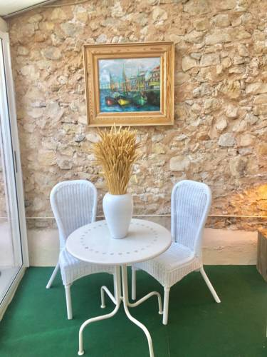 Maison Du Gallou : Guest accommodation near Le Cannet