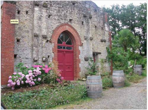 Chapelle restaurée proche Marciac : Guest accommodation near Armentieux