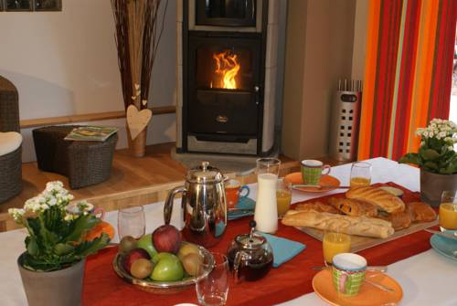 Aube du Bonheur : Bed and Breakfast near Cessy
