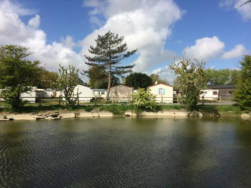 Camping de la Plage : Guest accommodation near Oye-Plage