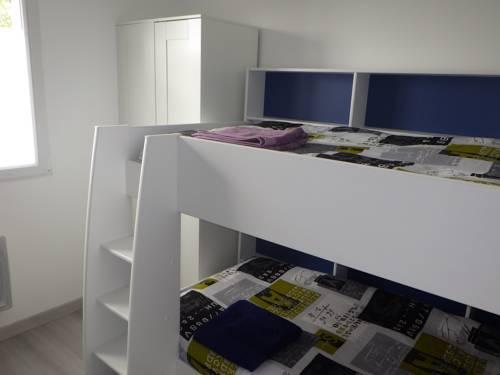 Les Gîtes Du Vieux Frêne : Guest accommodation near Combles
