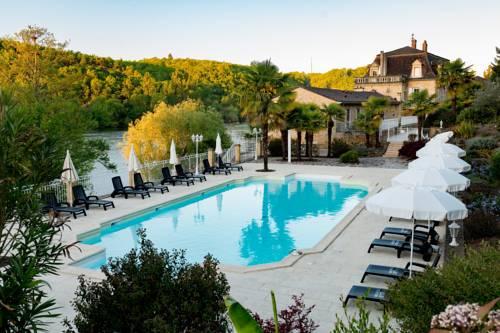 Les Magnolias : Bed and Breakfast near Badefols-sur-Dordogne