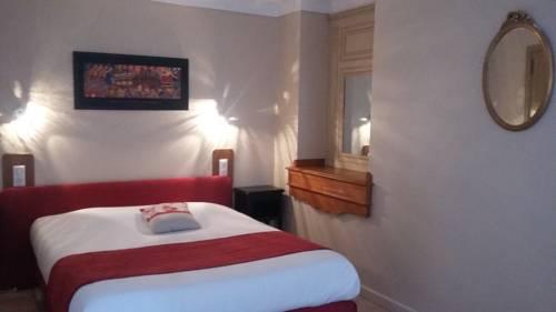 Hotel Les Deux Magots : Hotel near La Roche-Bernard