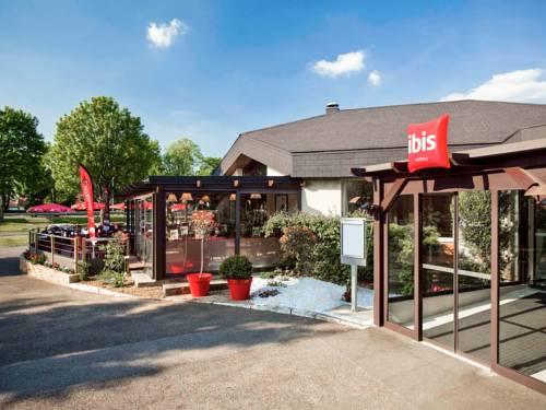 ibis Senlis : Hotel near Néry