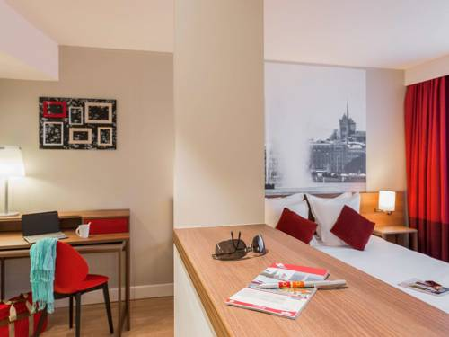 Aparthotel Adagio Geneve Saint Genis Pouilly : Guest accommodation near Farges