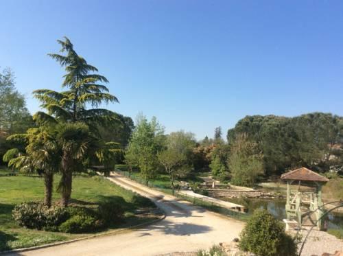Gîte Le Bois de Montpouillan : Guest accommodation near Guérin