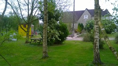 La Roulotte du Manoir de Lise : Bed and Breakfast near Lebiez