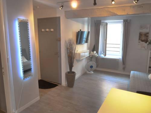 Sun Studio : Apartment near Valbonne