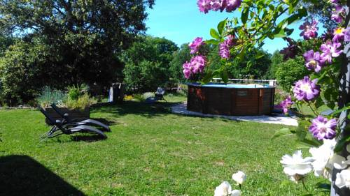 L'escale gourmande : Bed and Breakfast near Saint-Pierre-Saint-Jean