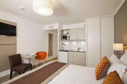 Residhome Paris Rosa Parks : Guest accommodation near Aubervilliers