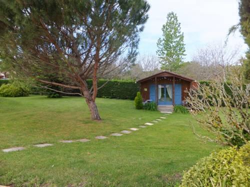 Le Chalet Bleu : Guest accommodation near Vergt-de-Biron
