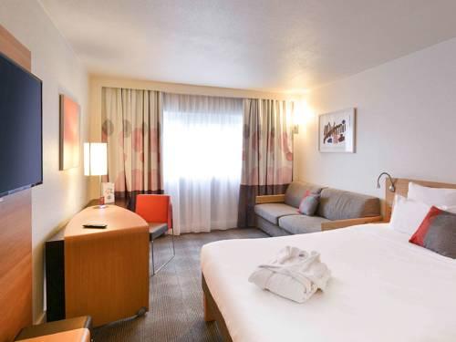 Novotel Marne La Vallée Collégien : Hotel near Roissy-en-Brie