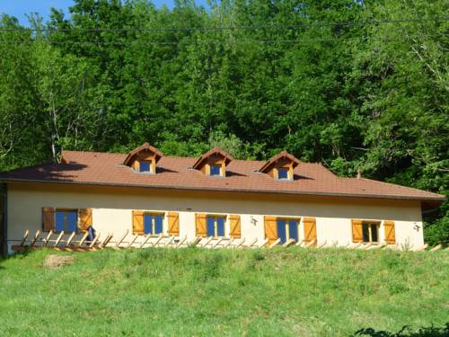 Maisons de Vacance - Auvergne 1 : Guest accommodation near Arronnes