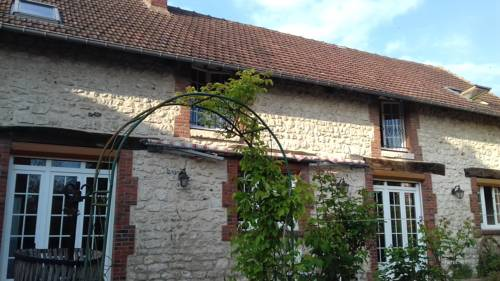 L'étable givernoise : Bed and Breakfast near Bennecourt