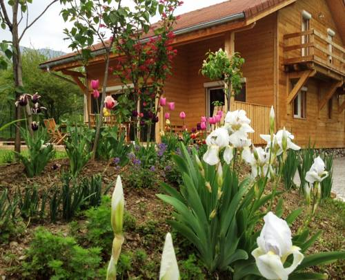 Holiday Home Route de Chaudefeuille : Guest accommodation near Pelleautier