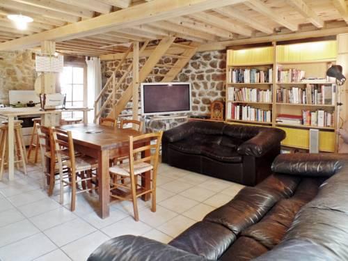 Gîte La Terrasse : Guest accommodation near Saint-Apollinaire-de-Rias