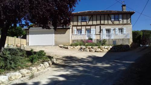 Holiday home Jouanhaut : Guest accommodation near Justian