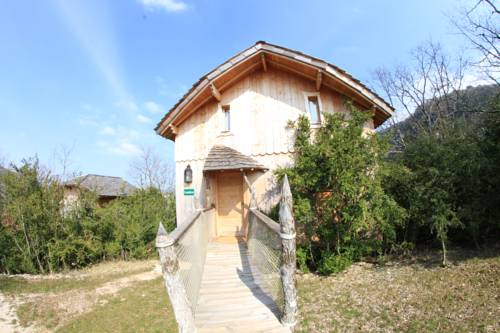 Cabanes et Lodges du Belvedere : Guest accommodation near Simandre-sur-Suran
