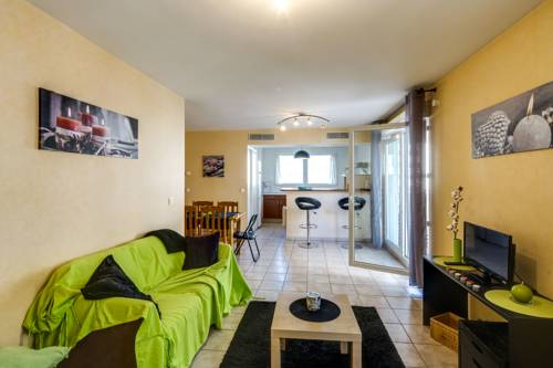 Luckey Homes - Rue Louise Colombe : Apartment near Fontaine