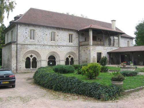 Abbaye de St Gilbert : Bed and Breakfast near Chareil-Cintrat