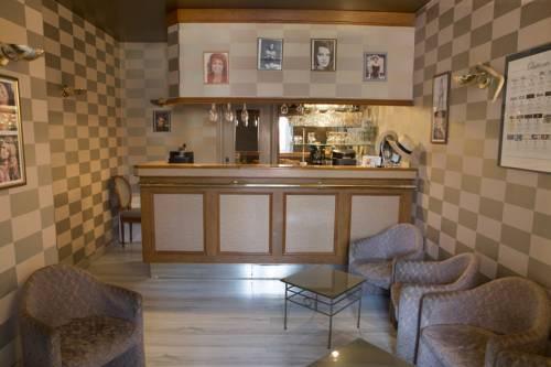 Blanche de Castille : Hotel near Feins-en-Gâtinais