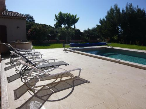 Gite Les Cayennes : Guest accommodation near Salon-de-Provence