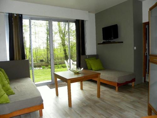 Holiday home bis route de Saint Quentin : Guest accommodation near Anguilcourt-le-Sart