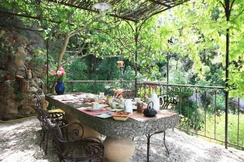 Le Moulin en Provence : Bed and Breakfast near Châteauneuf-le-Rouge