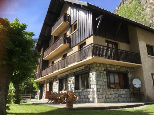 Chalet Freeride : Guest accommodation near Saint-Christophe-en-Oisans