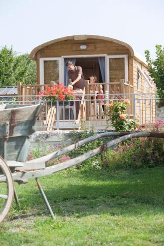 Les Attelages et les Logis de Cuzay : Guest accommodation near Roiffé