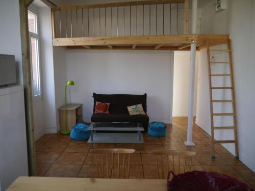 Appartement lumineux : Apartment near Molandier