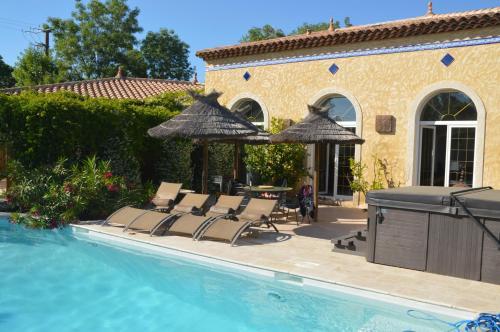 Villa Les Martins : Guest accommodation near La Crau