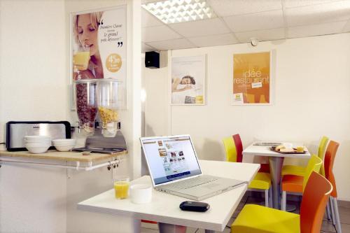 Premiere Classe Salon De Provence : Hotel near La Barben