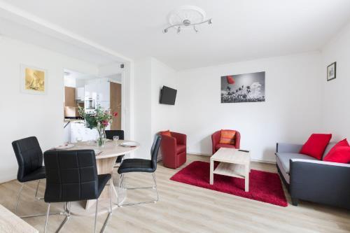 BRASSENS - Appartement tout confort 2 chambres - rénové et calme : Apartment near Chartres-de-Bretagne