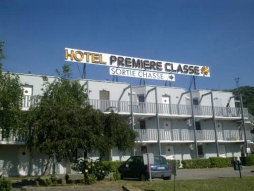 Première Classe Lyon Sud Vienne : Hotel near Cour-et-Buis