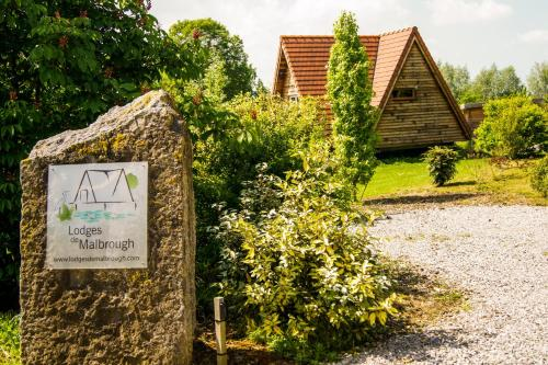 Les Lodges de Malbrough : Guest accommodation near Ham-en-Artois