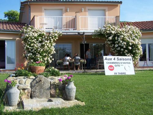 Aux 4 Saisons : Bed and Breakfast near Laroque-d'Olmes