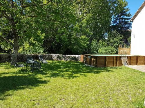 Maison au bord de la rivière Mazan Provence : Guest accommodation near Mazan
